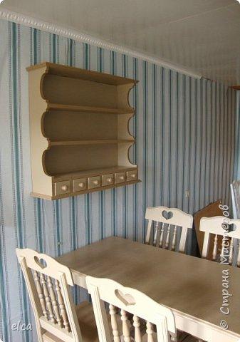 """Здравствуйте, друзья! Продолжаю мастерить мебель для дачи.  Полка  в деревенском стиле. В наших краях такую полку называют """" посудник""""  фото 2"""