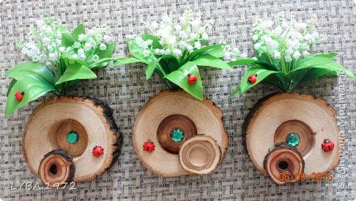 Вот такие подарочки мы сделали для учителей. Материалом послужили старые деревья, которые обнаружились  на уборке в школьном саду. Жалко было их сжигать и мы придумали им применение. фото 5