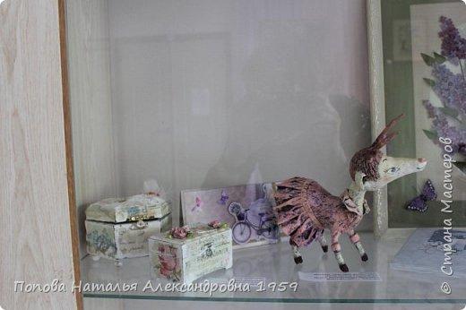 Прошла отчетная выставка в ДДТг. Чебоксары Ч. Р. Мои чудесные фигурки из папье- маше эффектно украсили нашу выставку.                          фото 1