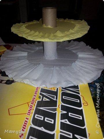 Вот такой тортик со сладостями в садик получился за 2,5 часа) Всех конфет по 30 шт. Не судите строго - такая работа впервые в жизни!)) фото 3