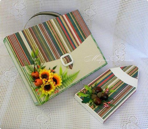 Здравствуйте! Накануне 1 сентября сотворила под заказ в подарок учителям небольшие презенты: портфель с чаем и шоколадкой внутри и коробочки-карандаши для флэшек.  фото 2