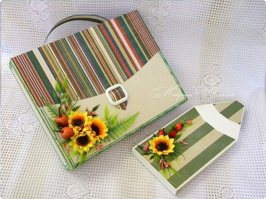 Здравствуйте! Накануне 1 сентября сотворила под заказ в подарок учителям небольшие презенты: портфель с чаем и шоколадкой внутри и коробочки-карандаши для флэшек.  фото 3