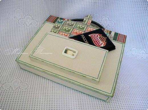 Здравствуйте! Накануне 1 сентября сотворила под заказ в подарок учителям небольшие презенты: портфель с чаем и шоколадкой внутри и коробочки-карандаши для флэшек.  фото 12
