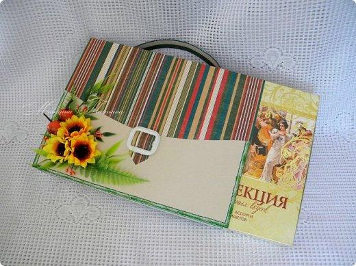 Здравствуйте! Накануне 1 сентября сотворила под заказ в подарок учителям небольшие презенты: портфель с чаем и шоколадкой внутри и коробочки-карандаши для флэшек.  фото 8