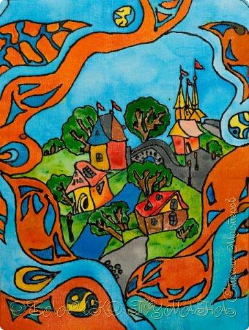 И захотелось мне  нарисовать что-нибудь в технике батик... В общем, на мелкое я решила не размениваться и получился вот такой городок. Чем-то на мой родной Севск похож:) фото 1
