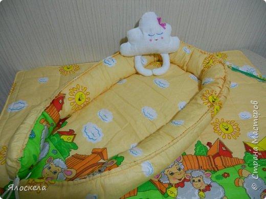 Всем добрый вечер!Сегодня я с подарком ко дню рождения нового Человечка! Гнездо-кокон, стеганное одеяльце из бязи и спящее Облачко фото 3