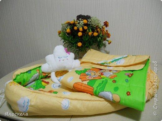 Всем добрый вечер!Сегодня я с подарком ко дню рождения нового Человечка! Гнездо-кокон, стеганное одеяльце из бязи и спящее Облачко фото 1