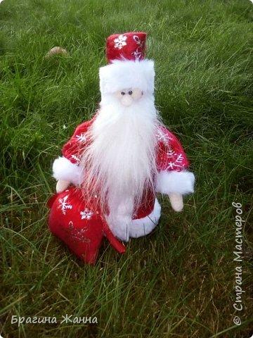Всем жителям замечательной страны огромный привет!продолжая новогоднюю тему))я к вам со своим дедушкой морозом!вот такой милый добрый у меня получился!и так встречайте! фото 5