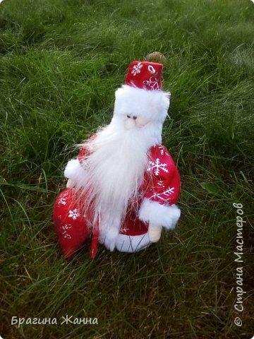 Всем жителям замечательной страны огромный привет!продолжая новогоднюю тему))я к вам со своим дедушкой морозом!вот такой милый добрый у меня получился!и так встречайте! фото 2
