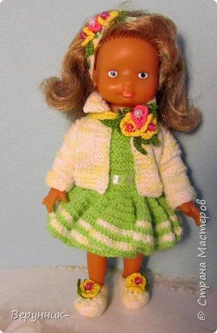 Моя коллега коллекционирует старых кукол ГДРок и пупсов,они часто ей достаются в плачевном состояние и без одежды,вот она и попросила меня принарядить некоторых из них. фото 2