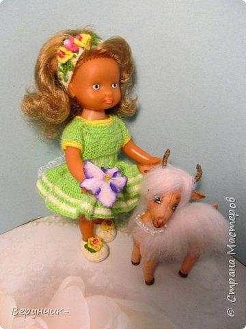 Моя коллега коллекционирует старых кукол ГДРок и пупсов,они часто ей достаются в плачевном состояние и без одежды,вот она и попросила меня принарядить некоторых из них. фото 9