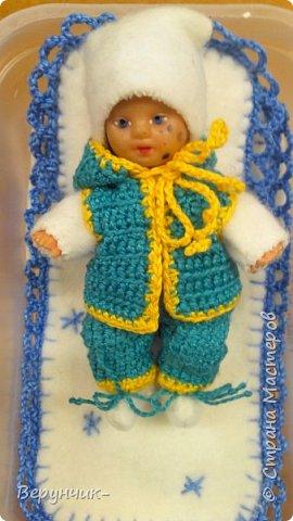 Моя коллега коллекционирует старых кукол ГДРок и пупсов,они часто ей достаются в плачевном состояние и без одежды,вот она и попросила меня принарядить некоторых из них. фото 19