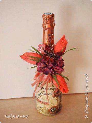 Привет Страна! Пополняется моя декупажная коллекция. На Ваш суд - бутылка шампанского для одной замечательной дамы. фото 1