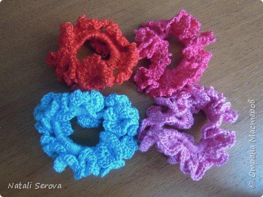 Вот такие игрушки-погремушки связались в подарок малышам фото 4