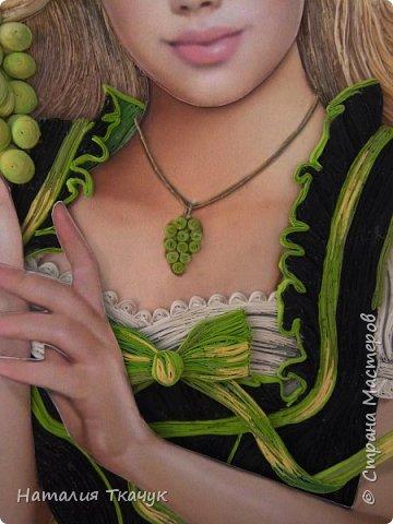 Здравствуйте, дорогие друзья, жители замечательной Страны Мастеров!!!! Сегодня я к вам с осенней работой. Вот и сложилась у меня коллекция . Как всегда  в работе использовала несколько техник ( сама девушка и виноград  - квиллинг, листья винограда - бумагоплпстика, горы - папье-маше, деревья, виноградники - торцевание. Фон - бумага для пастели, тонировала мелками для пастели, бумажные полосы - 1,5 мм. Формат картины - 40 х 40 см.  Приятного просмотра!    фото 6