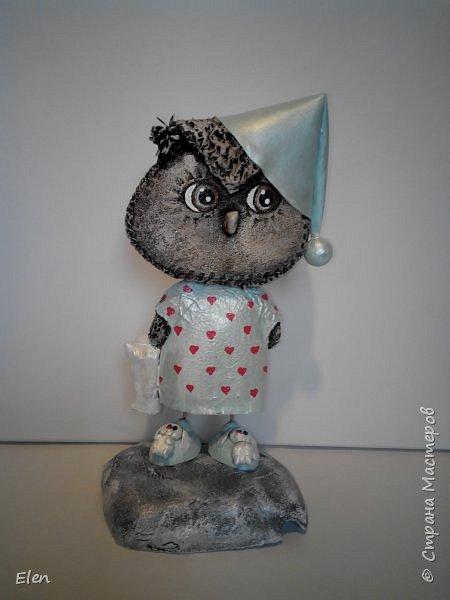 Мои совки сделаны в смешанной технике,головы из папье-маше, крылья и одежда,обувь из фоамирана,подставки из пенопласта фото 2