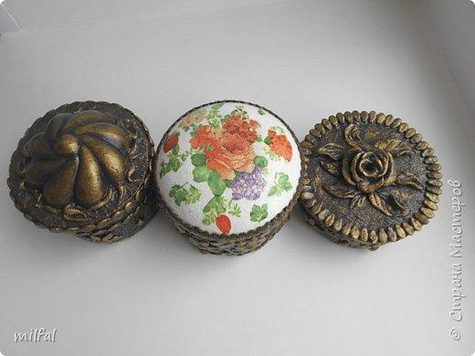 Шкатулки получились из консервных банок. фото 12