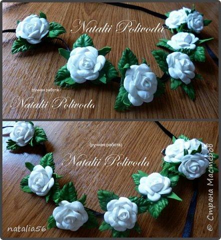 Пять тонированных роз на ленте для косы и две белых на зажиме... фото 3