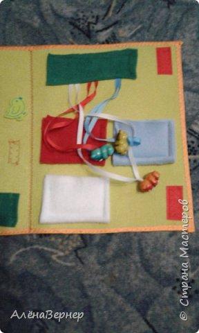 Детская книжка из фетра на развитие мелкой моторики рук детей раннего возраста. фото 5