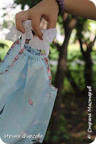 Моя младшая дочь Ася несколько лет носила сумку, которая, как оказалась, для неё очень удобна и практична. Долго искали похожую в магазинах...а потом, просто решила сшить аналогичную из тех тканей, которые были дома))) фото 17