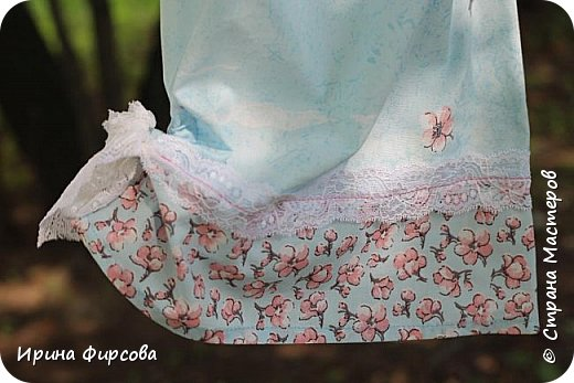 Моя младшая дочь Ася несколько лет носила сумку, которая, как оказалась, для неё очень удобна и практична. Долго искали похожую в магазинах...а потом, просто решила сшить аналогичную из тех тканей, которые были дома))) фото 18