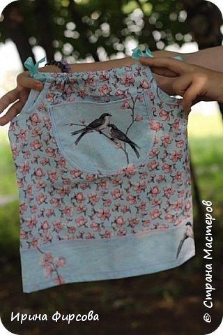 Моя младшая дочь Ася несколько лет носила сумку, которая, как оказалась, для неё очень удобна и практична. Долго искали похожую в магазинах...а потом, просто решила сшить аналогичную из тех тканей, которые были дома))) фото 19