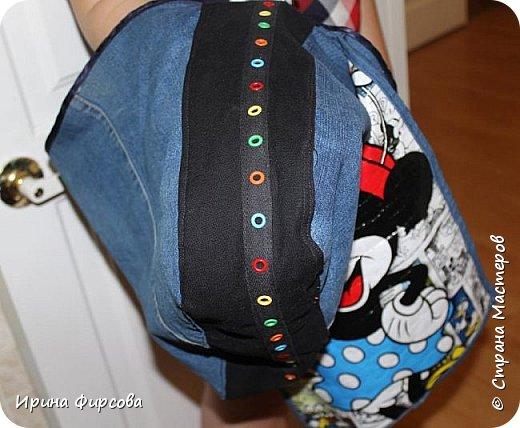 Моя младшая дочь Ася несколько лет носила сумку, которая, как оказалась, для неё очень удобна и практична. Долго искали похожую в магазинах...а потом, просто решила сшить аналогичную из тех тканей, которые были дома))) фото 3