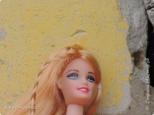 Привет, СМ! У меня появилась новая Барби и я связала ей новое платье. Приехала она ещё в субботу, просто обновок не было. И ещё у Арзу с Белью головы поменяла и Бель- шарнирка. Ей я сделала ООАК  и перепрошивку  волос. Барби я назвала Маринет.  фото 5