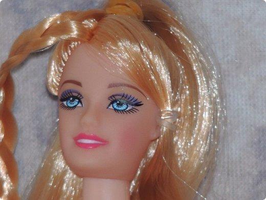 Привет, СМ! У меня появилась новая Барби и я связала ей новое платье. Приехала она ещё в субботу, просто обновок не было. И ещё у Арзу с Белью головы поменяла и Бель- шарнирка. Ей я сделала ООАК  и перепрошивку  волос. Барби я назвала Маринет.  фото 15
