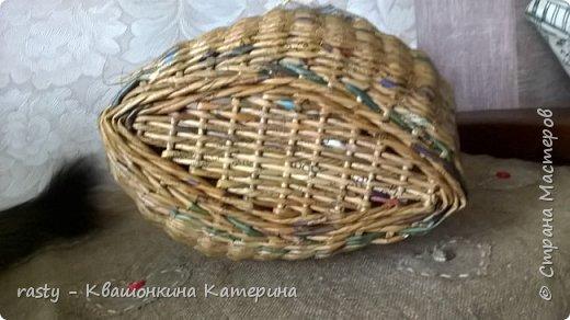 Плетеный мешок под лук по мотивам работы Елены Чермаревой :   https://vk.com/newspaper_weaving?w=wall-12159416_467789_r467908%2Fall фото 6
