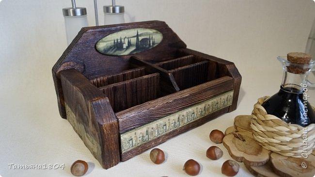 """Короб для специй """"Оливковый"""" с шестью ячейками. Изготовлен вручную полностью """"с нуля"""". Обжиг, брашировка, декор бумажными распечатками и декупаж салфетками. фото 3"""