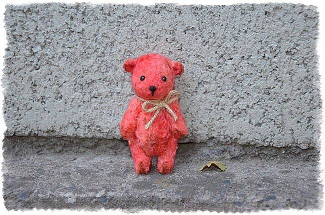 Всем Привет! я к Вам Сегодня с Мелочью) Малыши Мишутки ростом 8 см. Сшиты из Советского Плюша.  Этот Кроха Родился Первым) фото 1