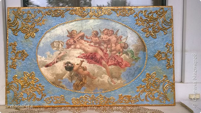Прямой декупаж стеклянной тарелки, фацетный лак, золотой контур, по краю золотая краска фото 4