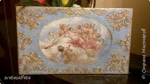 Прямой декупаж стеклянной тарелки, фацетный лак, золотой контур, по краю золотая краска фото 5