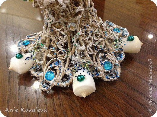 В субботу у мамы День рождения. Она собирает фигурки ангелов, решила сделать ей такое пополнение:) это морской ангел, потому что маму зовут Марина, живём в морском городе и (главное) под рукой оказались подходящие ракушки, хотелось их использовать. фото 4