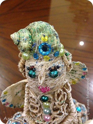 В субботу у мамы День рождения. Она собирает фигурки ангелов, решила сделать ей такое пополнение:) это морской ангел, потому что маму зовут Марина, живём в морском городе и (главное) под рукой оказались подходящие ракушки, хотелось их использовать. фото 6