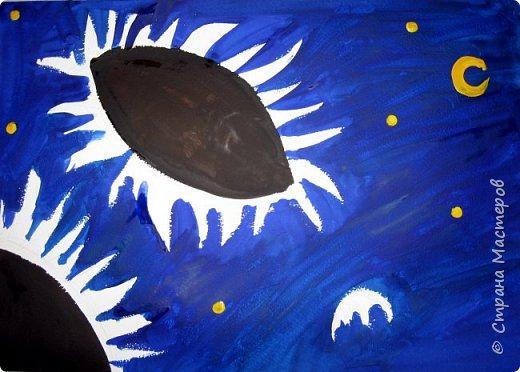 """В начале небольшая предыстория... Увидела в интернете картину с подсолнухами, нашла автора - Cinnamon Cooney , оказалась очень артистичная и своеобразная художница, пишет акрилом и маслом, можно найти её видео-уроки на английском языке, всё очень доступно показано. И решила нарисовать гуашью  """"солнышки"""" с необычным фоном. Планировала для 6-7 леток, но первоиспытателями стали 5-ти летки, фото в конце МК.  фото 3"""