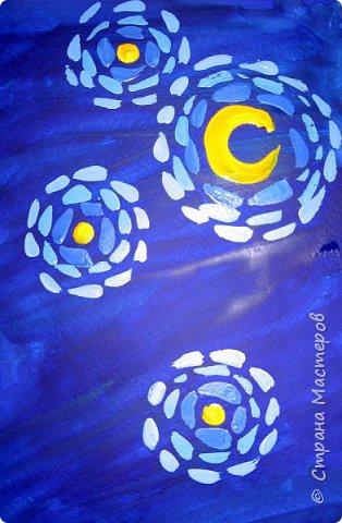"""В начале небольшая предыстория... Увидела в интернете картину с подсолнухами, нашла автора - Cinnamon Cooney , оказалась очень артистичная и своеобразная художница, пишет акрилом и маслом, можно найти её видео-уроки на английском языке, всё очень доступно показано. И решила нарисовать гуашью  """"солнышки"""" с необычным фоном. Планировала для 6-7 леток, но первоиспытателями стали 5-ти летки, фото в конце МК.  фото 4"""