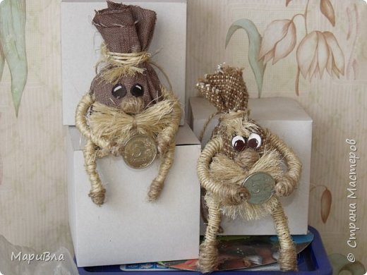 """Набралось у меня немного фото шпагатных поделок, своих и выполненных воспитанниками Пора, пожалуй, похвастаться работами ))).  Это моя куколка """"Мать и дитя"""", сделана для городской выставки """"Сохраняя народные традиции"""". фото 14"""