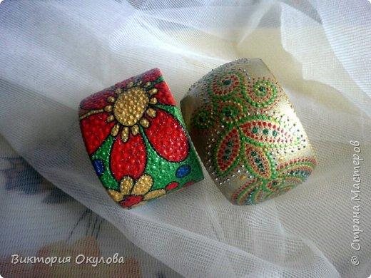 Все браслеты выполнены из липы и расписаны в технике точечной росписи акриловыми красками и контурами фото 6
