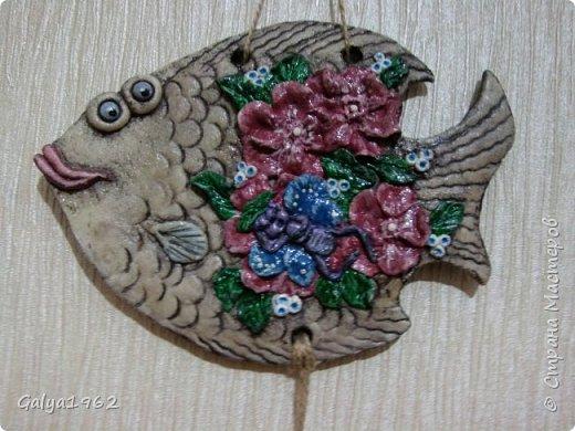 Всем доброго времени суток!!! Вот теперь у меня есть нормальная ( ну мне так кажется...) рыбка.. С цветами...Да и ей похоже такое больше нравится. нежели с ведьмой то..! фото 2