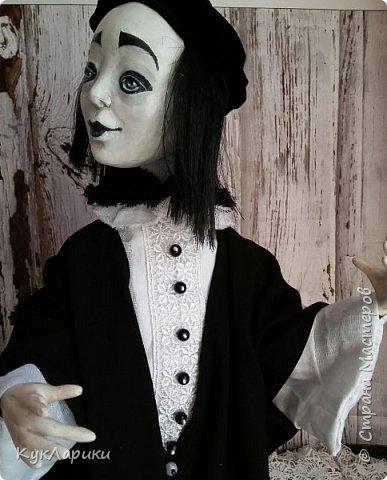 Всем Привет!А у меня новая кукла!!!Пьеро!Большой каркасный парень.48 см.голова поворачивается.стоит сомостоятельно.  фото 3