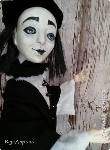 Всем Привет!А у меня новая кукла!!!Пьеро!Большой каркасный парень.48 см.голова поворачивается.стоит сомостоятельно.  фото 4