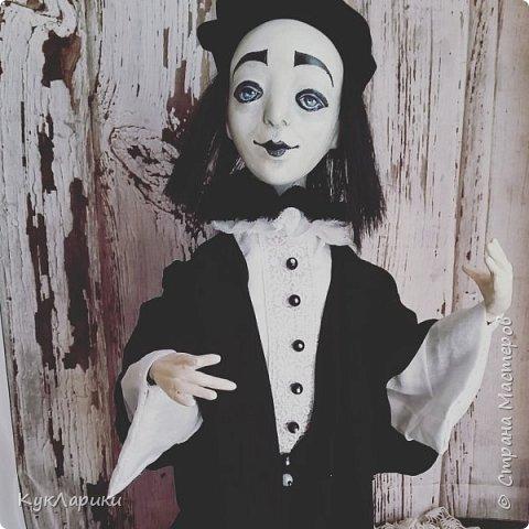 Всем Привет!А у меня новая кукла!!!Пьеро!Большой каркасный парень.48 см.голова поворачивается.стоит сомостоятельно.  фото 1