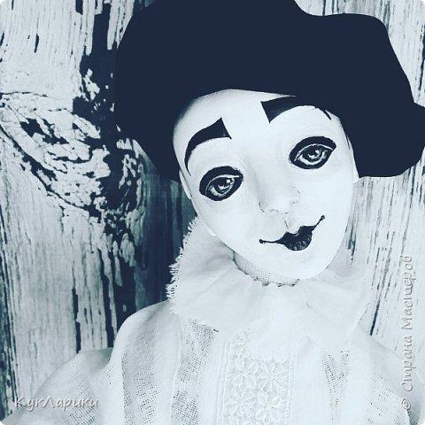 Всем Привет!А у меня новая кукла!!!Пьеро!Большой каркасный парень.48 см.голова поворачивается.стоит сомостоятельно.  фото 6