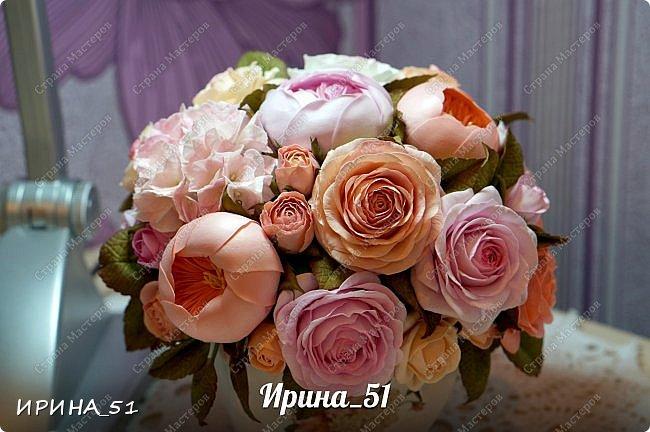 Здравствуйте! Представляю на Ваш суд  композицию с цветами из фоамирана и колье для дочки из зефирного фома.  Практически все цветы в композиции выполнены из иранского фоамирана, только гортензия из зефирного.  Приглашаю к просмотру.  фото 4
