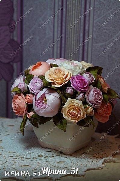 Здравствуйте! Представляю на Ваш суд  композицию с цветами из фоамирана и колье для дочки из зефирного фома.  Практически все цветы в композиции выполнены из иранского фоамирана, только гортензия из зефирного.  Приглашаю к просмотру.  фото 8