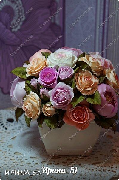 Здравствуйте! Представляю на Ваш суд  композицию с цветами из фоамирана и колье для дочки из зефирного фома.  Практически все цветы в композиции выполнены из иранского фоамирана, только гортензия из зефирного.  Приглашаю к просмотру.  фото 7