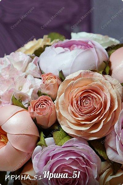 Здравствуйте! Представляю на Ваш суд  композицию с цветами из фоамирана и колье для дочки из зефирного фома.  Практически все цветы в композиции выполнены из иранского фоамирана, только гортензия из зефирного.  Приглашаю к просмотру.  фото 5