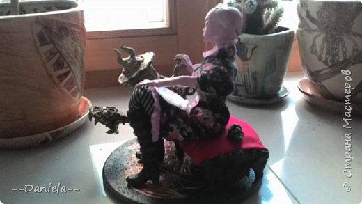 И снова Алиса) Вообще, мало кто в Стране о ней знает, поэтому еще раз скажу: Алиса Лидделл - главная героиня компьютерной игр American Mcgee's Alice и Alice: Madness Returns, которые продолжают сюжетную линию сказки Льюиса Кэрролла (наверное, уже поняли, какой:)) фото 22